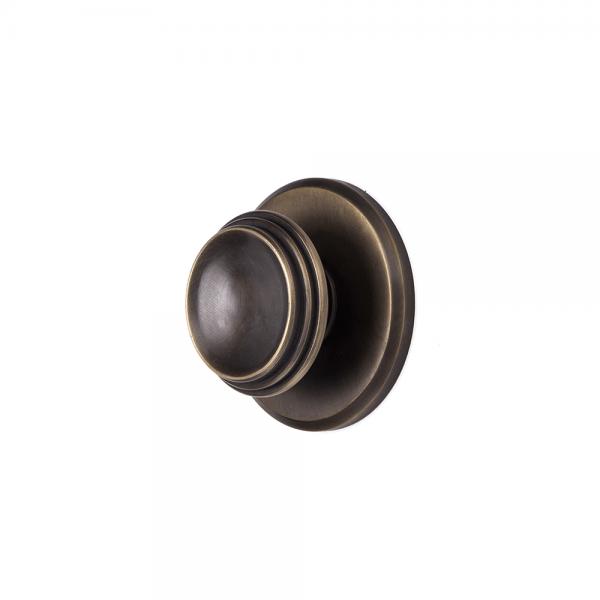 כפתור אחיזה סטטי על פלטה עם חריטה #5-092