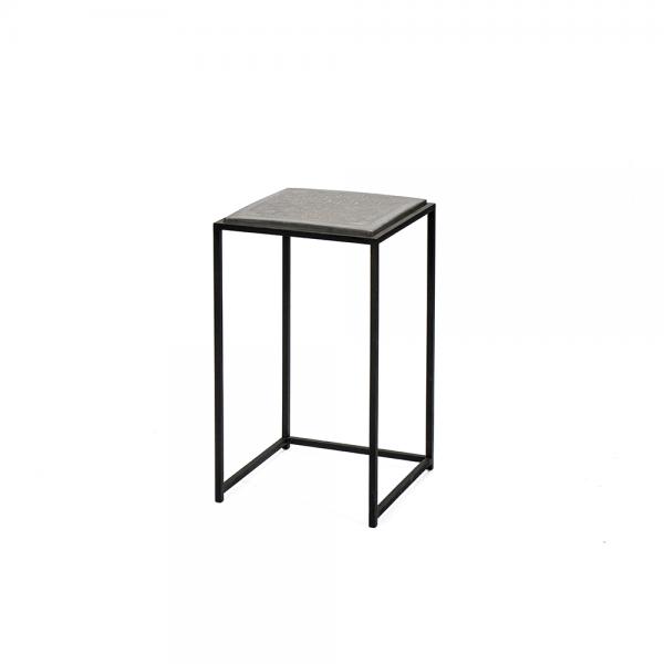 #3-041 שולחן צד עם משטח בטון ופליז