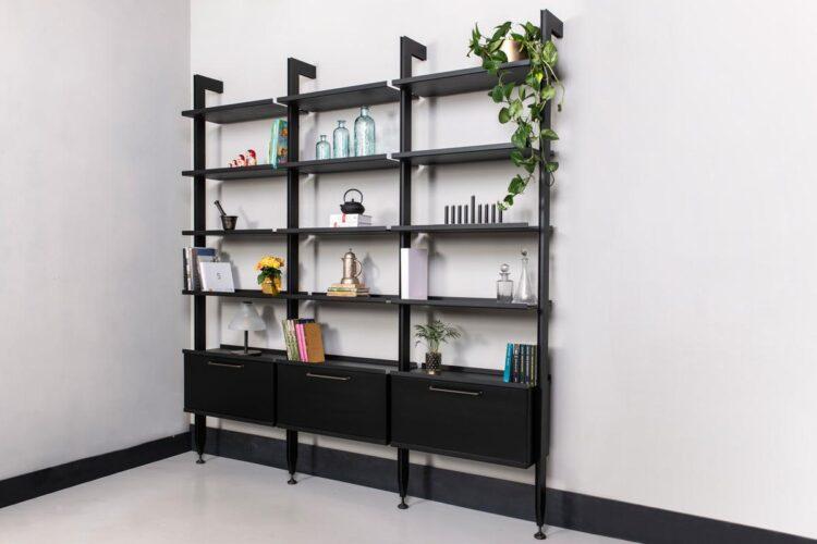 #3-100 - ספריית ברזל עם קלפה