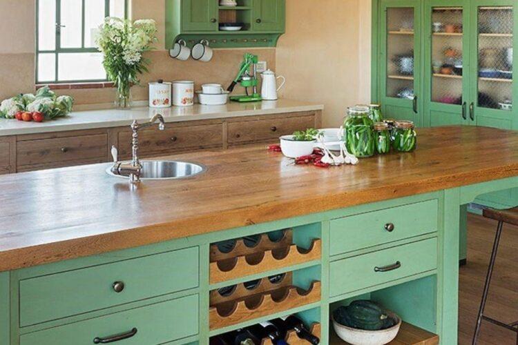 מטבח ירוק של מגע של עץ